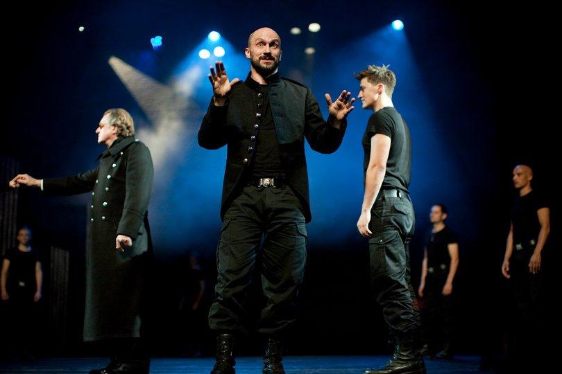 Image gallery 1: Macbeth