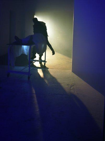 Image gallery 2: A mulher arrastada