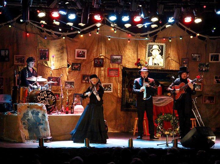 Imatge 1 de la galeria de l'espectacle El funeral. Oua Umplute