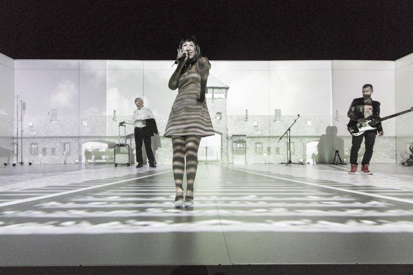 Image 4 in the gallery of the show El Bramido de Düsseldorf