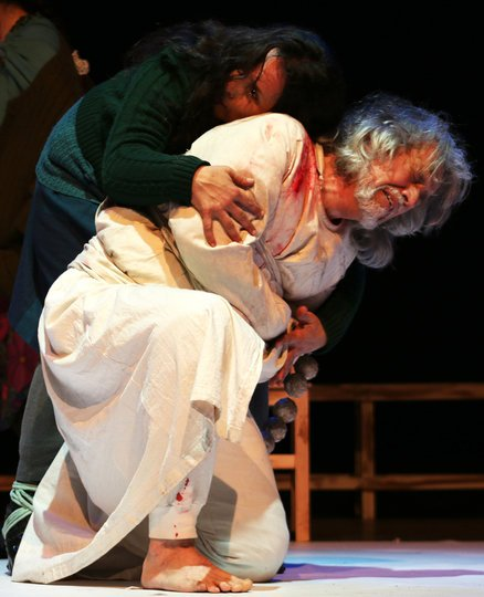 Image gallery 3: Fieramente humano, Jesús se detuvo en Olivos 837