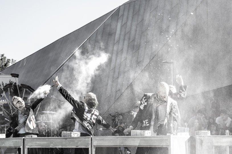 Image gallery 7: La gran amenaza