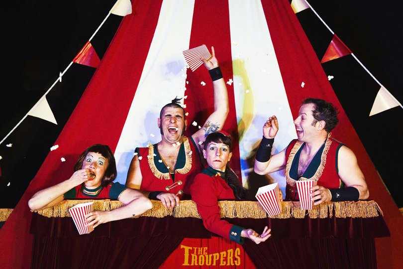 Galería de imágenes 1: The Troupers