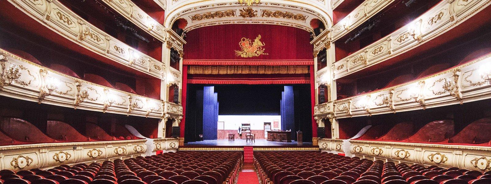 Teatre Principal de Valencia, localització per a la representació d'espectacles