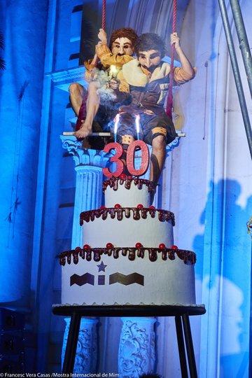 Image gallery 1: Acompanya el pastís! 30 anys de MIM