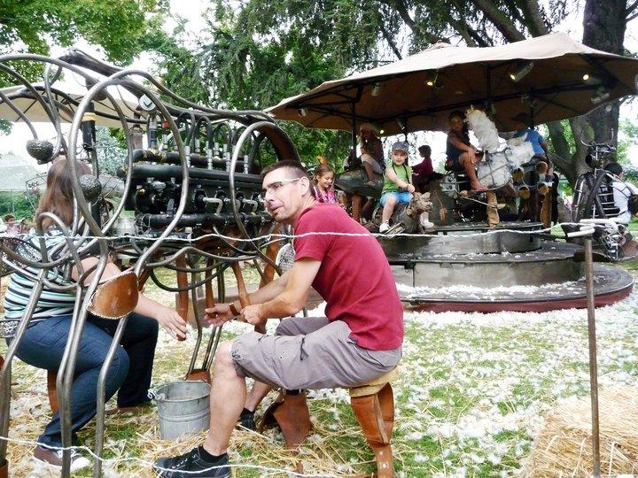 Bilder Gallerie 2: Un Vache de manège et son Orgameuh