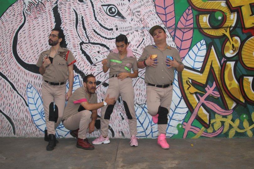 Image gallery 4: LOS COPS