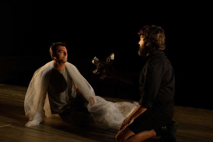 Image gallery 1: Hamlet Canalla